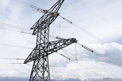 Imagen de línea aéres de 400 kW